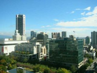 """Photo 10: 938 SMITHE Street in Vancouver: Downtown VW Condo for sale in """"ELECTRIC AVENUE"""" (Vancouver West)  : MLS®# V620546"""