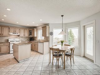 Photo 12: 54 Signature Close SW in Calgary: Signal Hill Detached for sale : MLS®# A1124573