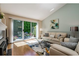 """Photo 3: 14 2672 151 Street in Surrey: Sunnyside Park Surrey Townhouse for sale in """"THE WESTERLEA"""" (South Surrey White Rock)  : MLS®# R2366733"""