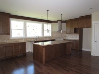 Photo 2: 2337 CHARDONNAY LANE in ABBOTSFORD: House for rent