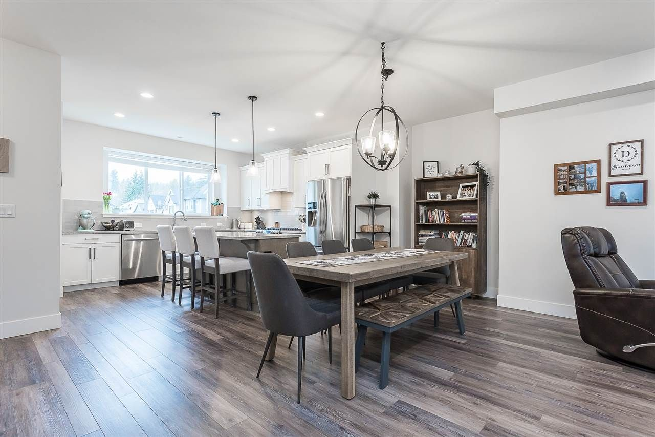 """Photo 13: Photos: 4 4295 OLD CLAYBURN Road in Abbotsford: Abbotsford East House for sale in """"Sunspring Estates"""" : MLS®# R2562456"""