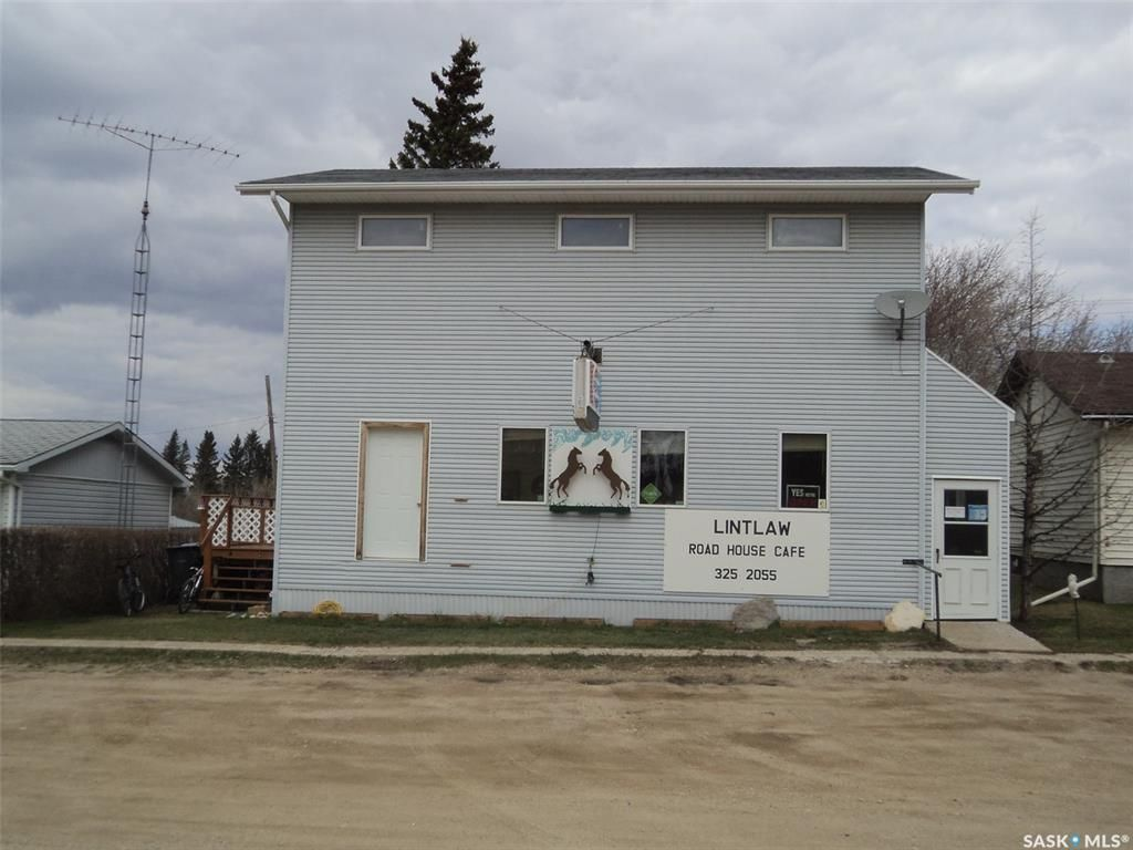 Main Photo: 108 1st Avenue West in Lintlaw: Commercial for sale : MLS®# SK864657