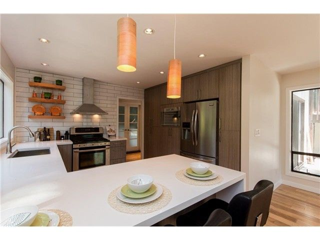 """Photo 9: Photos: 1810 RIVERSIDE Drive in North Vancouver: Seymour House for sale in """"RIVERSIDE"""" : MLS®# V1130790"""