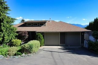 Photo 1: 2273 Lakeview Drive: Blind Bay House for sale (South Shuswap)  : MLS®# 10160915