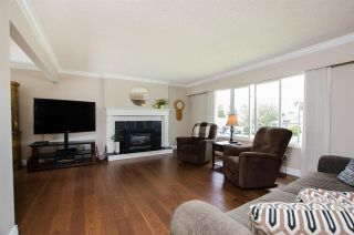 Photo 3: 5574 49 Avenue in Delta: Hawthorne House for sale (Ladner)  : MLS®# R2388506