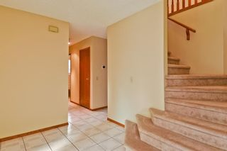 Photo 8: 2708 SIGNAL RIDGE View SW in Calgary: Signal Hill Detached for sale : MLS®# A1103442