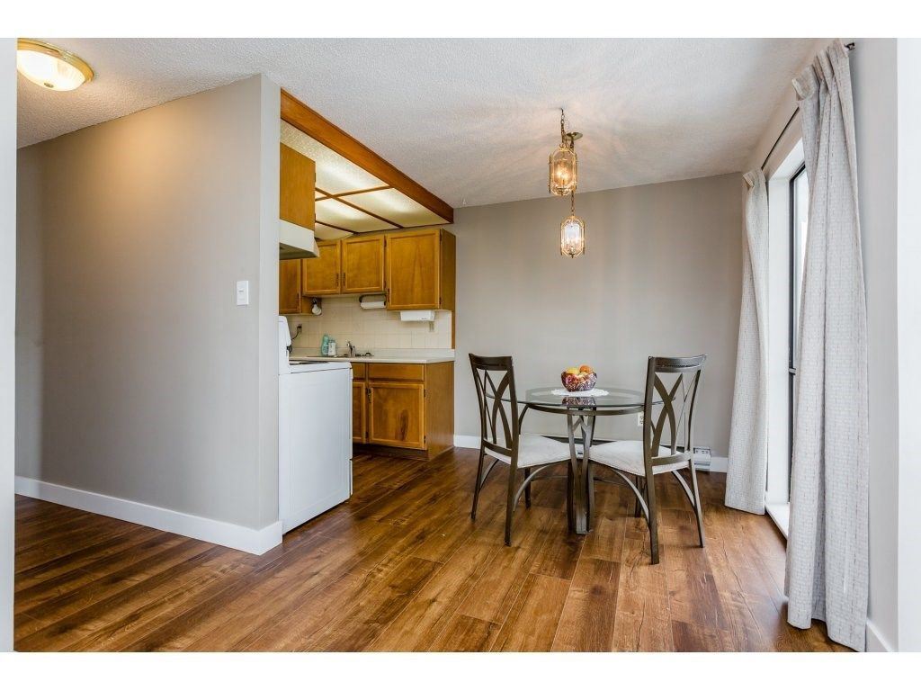 """Photo 10: Photos: 303 9952 149 Street in Surrey: Guildford Condo for sale in """"Tall Timbers"""" (North Surrey)  : MLS®# R2241309"""