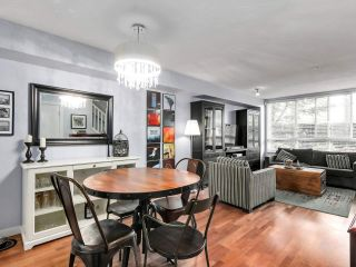 """Photo 9: 2774 ALMA Street in Vancouver: Kitsilano Townhouse for sale in """"Twenty On The Park"""" (Vancouver West)  : MLS®# R2501470"""