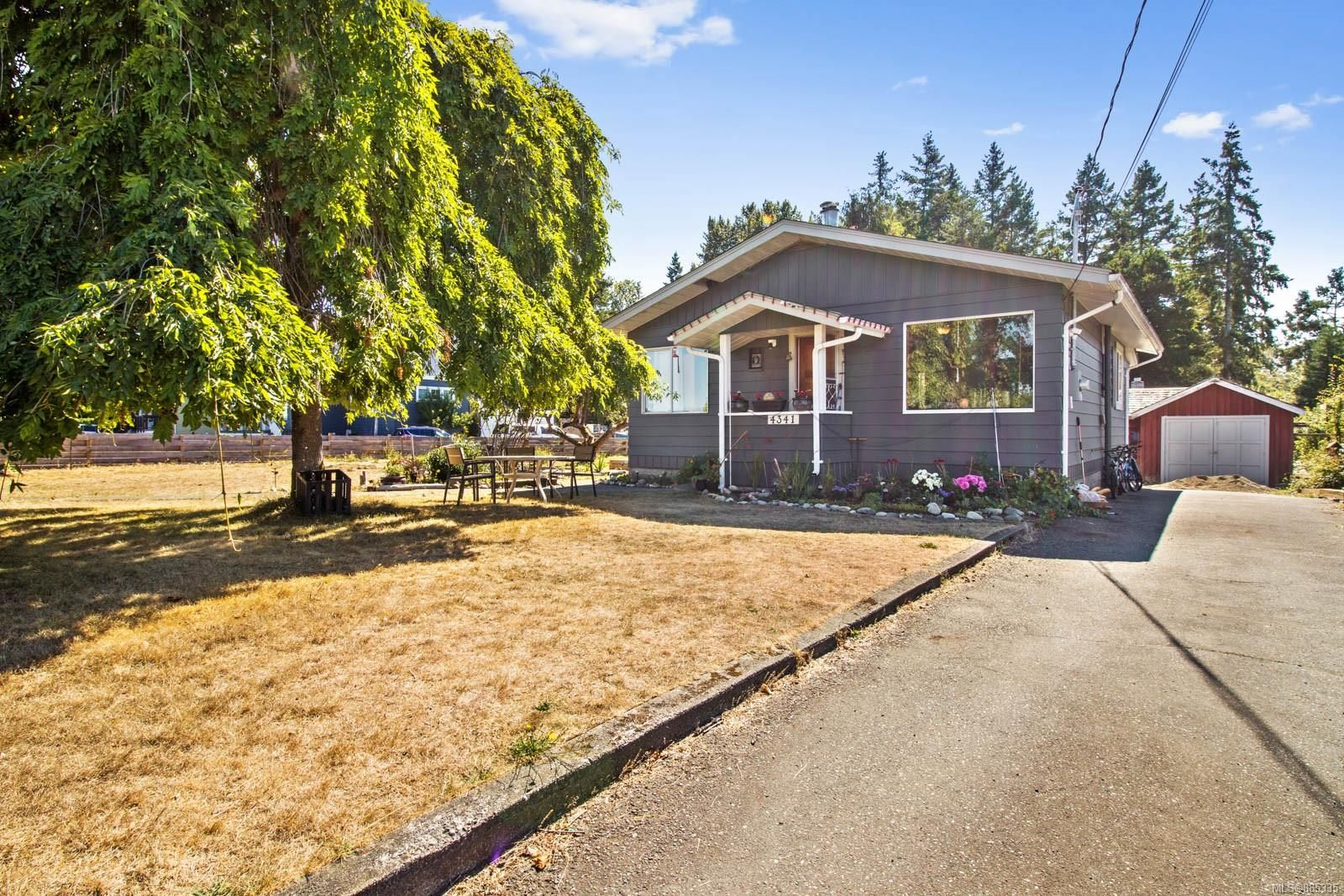 Main Photo: 4341 S Island Hwy in : CR Campbell River South House for sale (Campbell River)  : MLS®# 885335