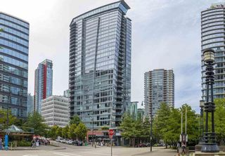 Photo 2: 2504 1205 West Hastings Street in Vancouver: Coal Harbour Condo for sale (Vancouver West)  : MLS®# R2388523
