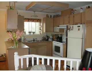 "Photo 4: 18567 60A Avenue in Surrey: Cloverdale BC House for sale in ""Eaglecrest"" (Cloverdale)  : MLS®# F2919005"