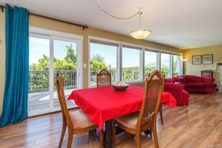 Photo 9: 1123 Munro St in Esquimalt: Es Saxe Point Half Duplex for sale : MLS®# 842474
