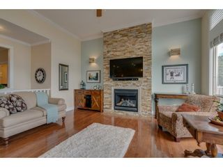 """Photo 9: 93 8590 SUNRISE Drive in Chilliwack: Chilliwack Mountain Townhouse for sale in """"MAPLE HILLS"""" : MLS®# R2284999"""