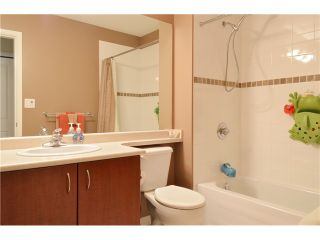 "Photo 12: 25 3127 SKEENA Street in Port Coquitlam: Riverwood Townhouse for sale in ""RIVER'S WALK"" : MLS®# V1042691"
