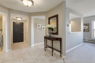 Photo 3: 601 200 La Caille Place SW in Calgary: Eau Claire Apartment for sale : MLS®# A1042551
