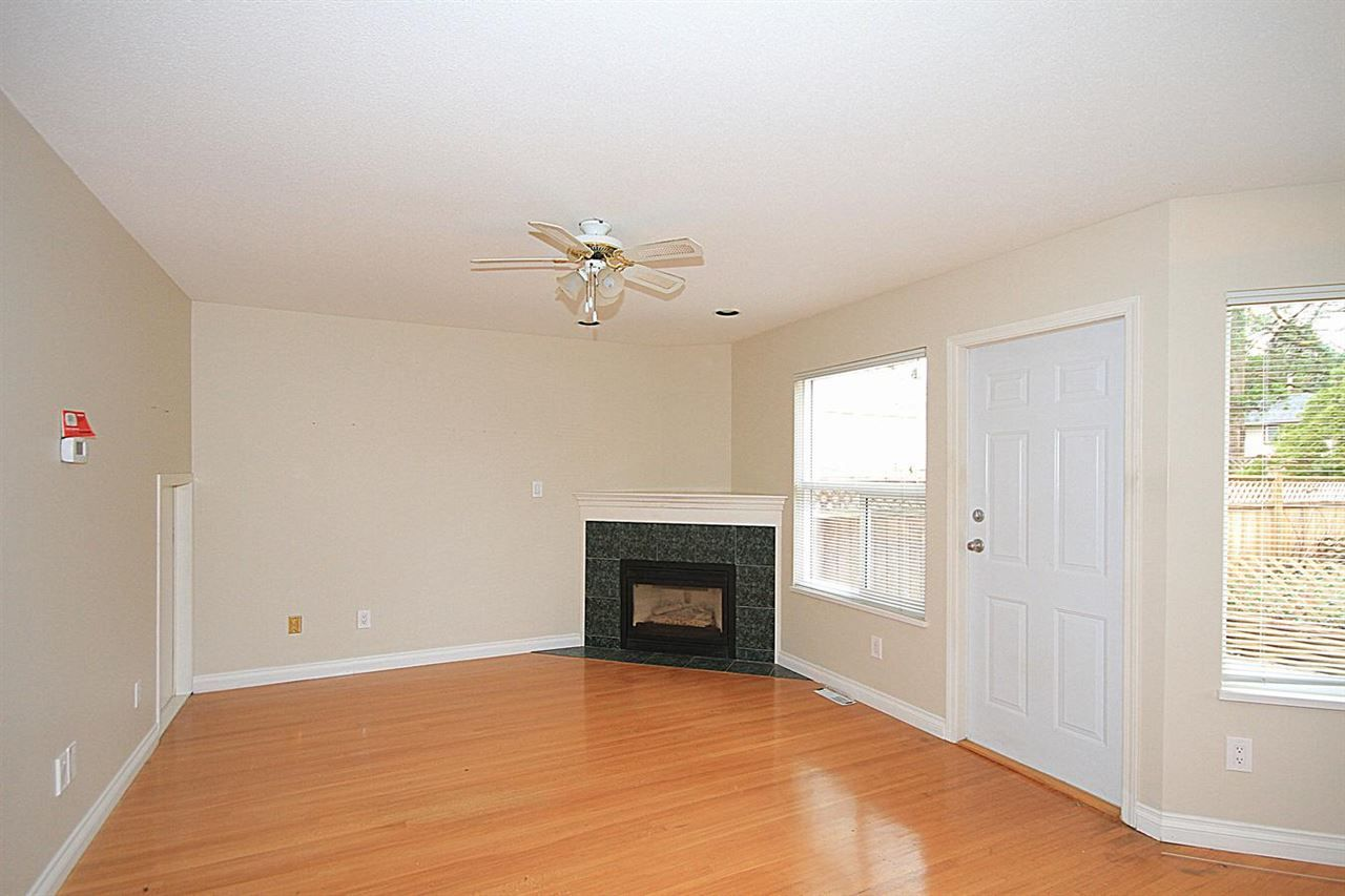 Photo 3: Photos: 12133 221 Street in Maple Ridge: West Central 1/2 Duplex for sale : MLS®# R2116739