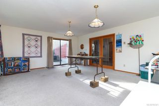 Photo 9: 17 Tovey Cres in : VR View Royal House for sale (View Royal)  : MLS®# 782341