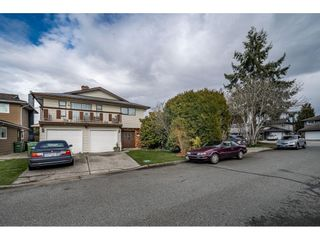 Photo 2: 5271 HOLLYFIELD Avenue in Richmond: Steveston North House for sale : MLS®# R2438869