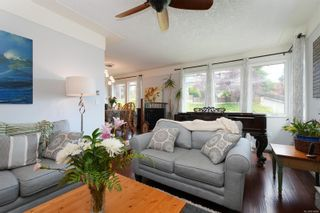 Photo 3: 3340 Mary Anne Cres in : Co Triangle House for sale (Colwood)  : MLS®# 876484