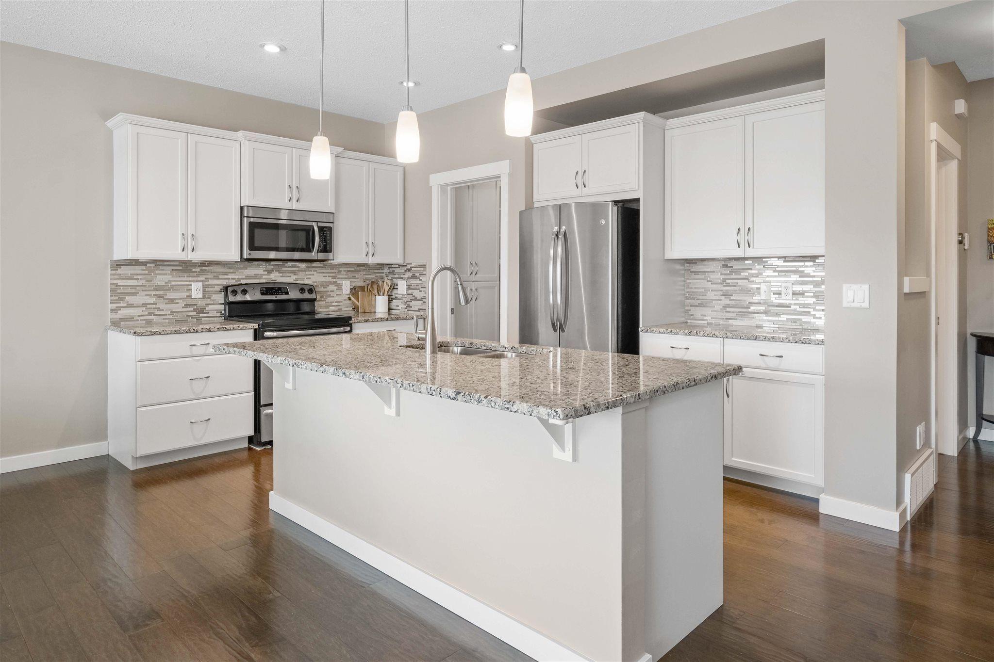 Main Photo: 5025 DEWOLF Road in Edmonton: Zone 27 House for sale : MLS®# E4245611