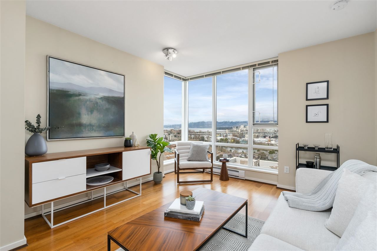"Main Photo: 701 2483 SPRUCE Street in Vancouver: Fairview VW Condo for sale in ""SKYLINE ON BROADWAY"" (Vancouver West)  : MLS®# R2576030"