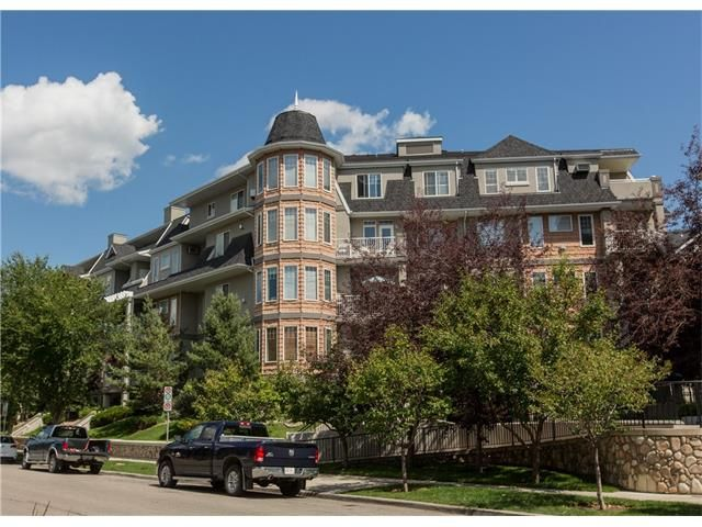Photo 1: Photos:  in Calgary: Condo for sale : MLS®# C4076180
