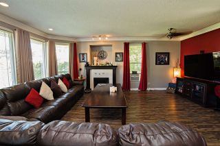 """Photo 3: 8144 TOPPER Drive in Mission: Mission BC House for sale in """"College Heights"""" : MLS®# R2065239"""