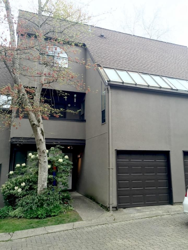 Main Photo: 8543 WOODTRAIL PLACE in Burnaby: Forest Hills BN Townhouse  (Burnaby North)  : MLS®# R2060235