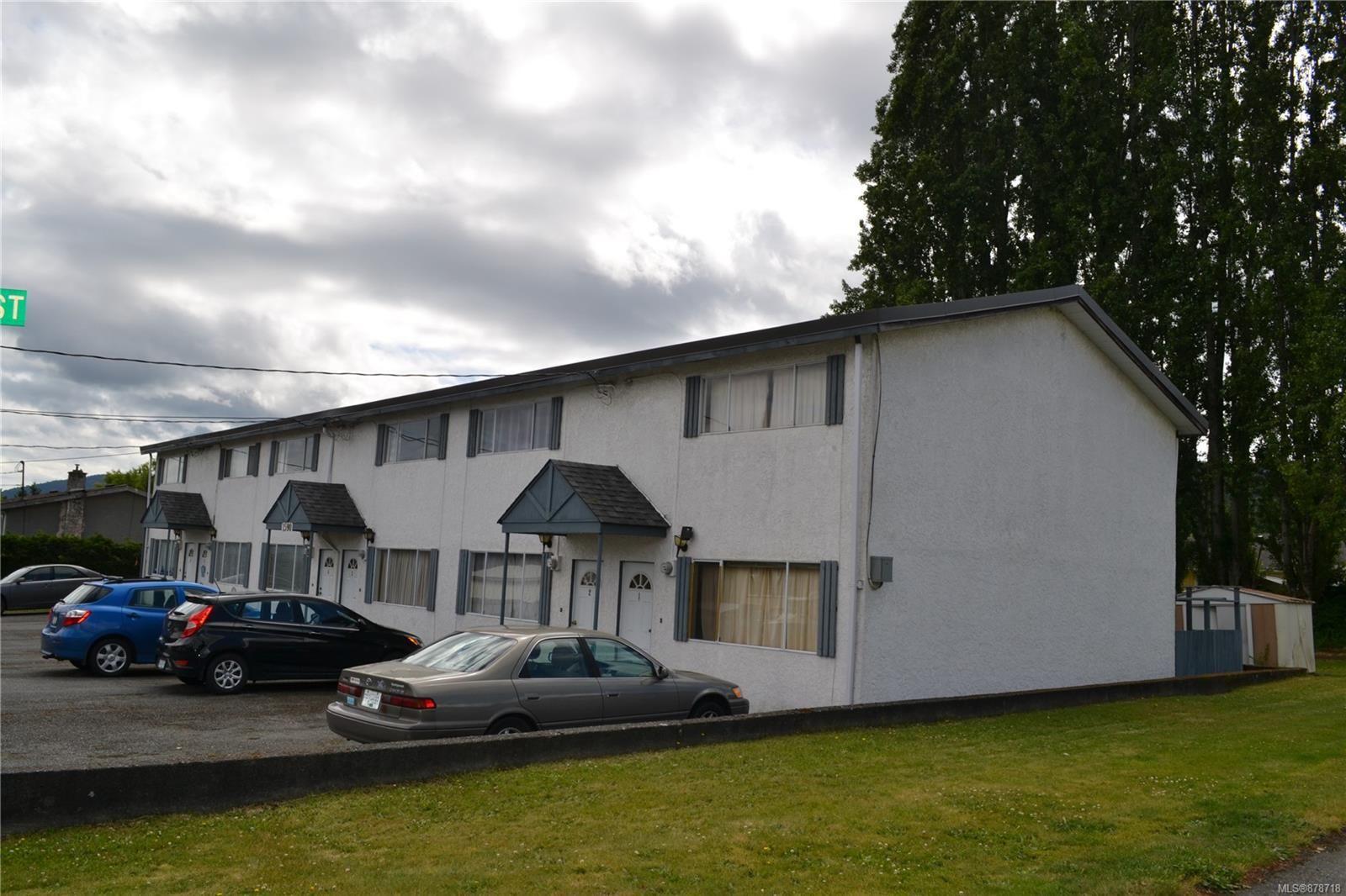 Main Photo: 1590 ROBERT St in : Du Crofton Multi Family for sale (Duncan)  : MLS®# 878718