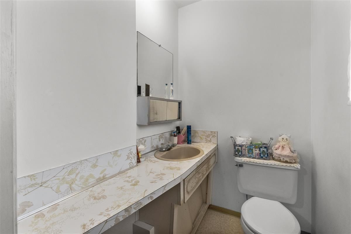 Photo 18: Photos: 3225 ST GEORGE Street in Vancouver: Fraser VE House for sale (Vancouver East)  : MLS®# R2579975