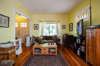 Photo 4: 1410 E 12TH Avenue in Vancouver: Grandview Woodland House for sale (Vancouver East)  : MLS®# R2437111