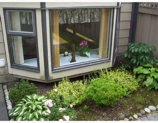 """Photo 4: 109 777 8TH Street in New_Westminster: Uptown NW Condo for sale in """"MOODY GARDENS"""" (New Westminster)  : MLS®# V659069"""