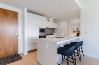 """Photo 8: 807 181 W 1ST Avenue in Vancouver: False Creek Condo for sale in """"BROOK AT THE VILLAGE"""" (Vancouver West)  : MLS®# R2591261"""