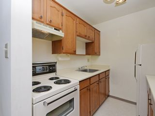 """Photo 11: 904 2165 W 40TH Avenue in Vancouver: Kerrisdale Condo for sale in """"The Veronica"""" (Vancouver West)  : MLS®# R2172373"""
