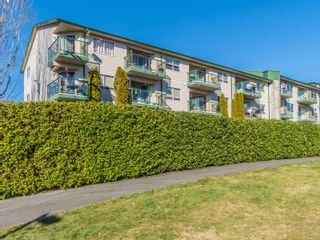 Main Photo: 409 1900 Bowen Rd in : Na Central Nanaimo Condo for sale (Nanaimo)  : MLS®# 869866