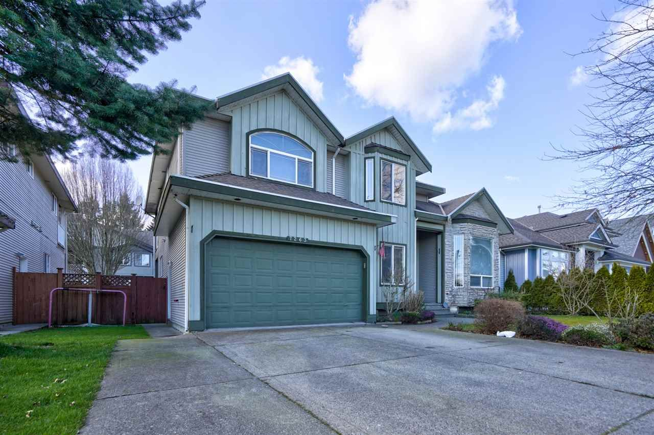Main Photo: 7263 145 Street in Surrey: East Newton House for sale : MLS®# R2442963