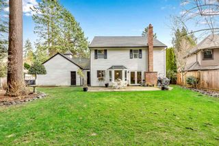"""Photo 2: 1887 AMBLE GREENE Drive in Surrey: Crescent Bch Ocean Pk. House for sale in """"Amble Greene"""" (South Surrey White Rock)  : MLS®# R2542872"""