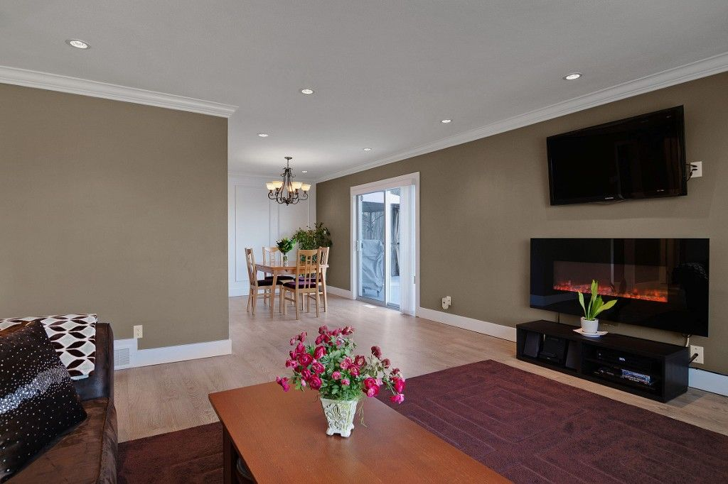 Photo 6: Photos: 2994 PASTURE Circle in Coquitlam: Ranch Park House for sale : MLS®# V1108393