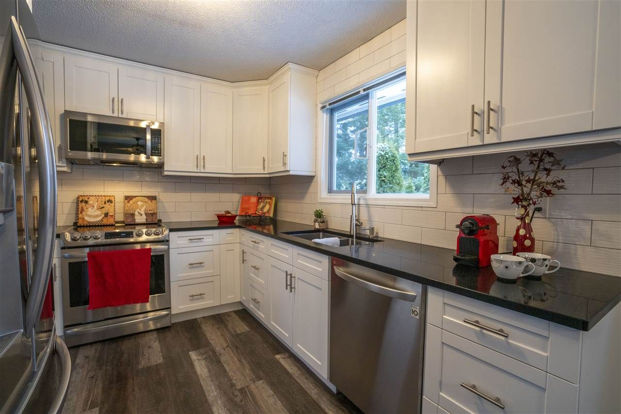 """Photo 10: Photos: 7827 QUEENS Crescent in Prince George: Lower College House for sale in """"LOWER COLLEGE HEIGHTS"""" (PG City South (Zone 74))  : MLS®# R2422885"""