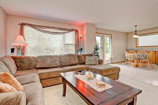 Photo 3: 243 SOMERGLEN Road SW in Calgary: Somerset House for sale : MLS®# C4122887