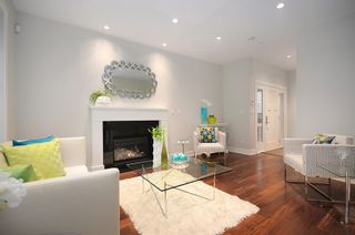 Photo 4: 826 East 14th Avenue in Vancouver: Home for sale : MLS®# V1044825