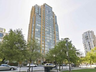 Photo 2: 802 1188 Richards St in Vancouver: Yaletown Condo for sale (Vancouver West)  : MLS®# R2370463