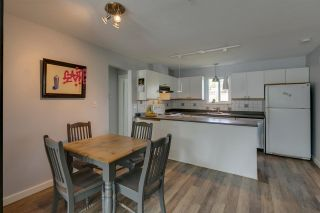 Photo 5: 1021 BROTHERS Place in Squamish: Northyards 1/2 Duplex for sale : MLS®# R2274720