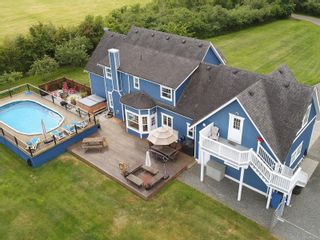 Photo 3: 7146 Wallace Dr in : CS Brentwood Bay House for sale (Central Saanich)  : MLS®# 878217