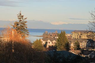 Photo 2: 305 335 W Hirst Ave in : PQ Parksville Condo for sale (Parksville/Qualicum)  : MLS®# 866145