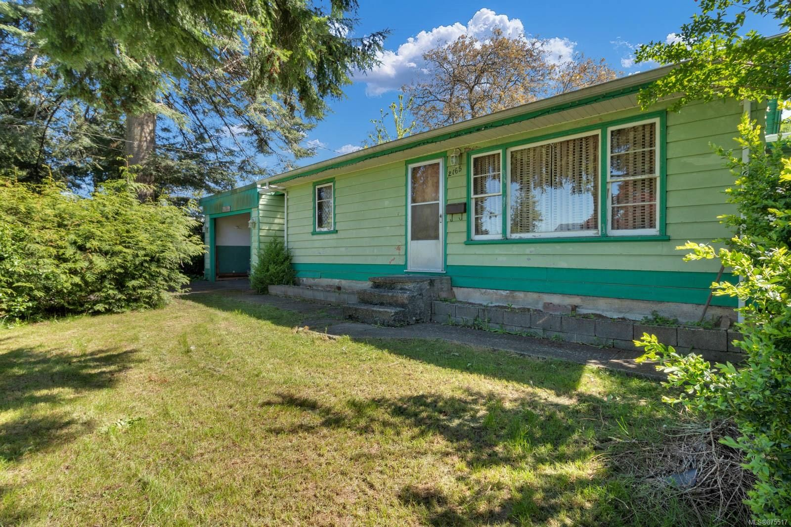 Main Photo: 2165 15th Ave in : CR Campbellton House for sale (Campbell River)  : MLS®# 875517