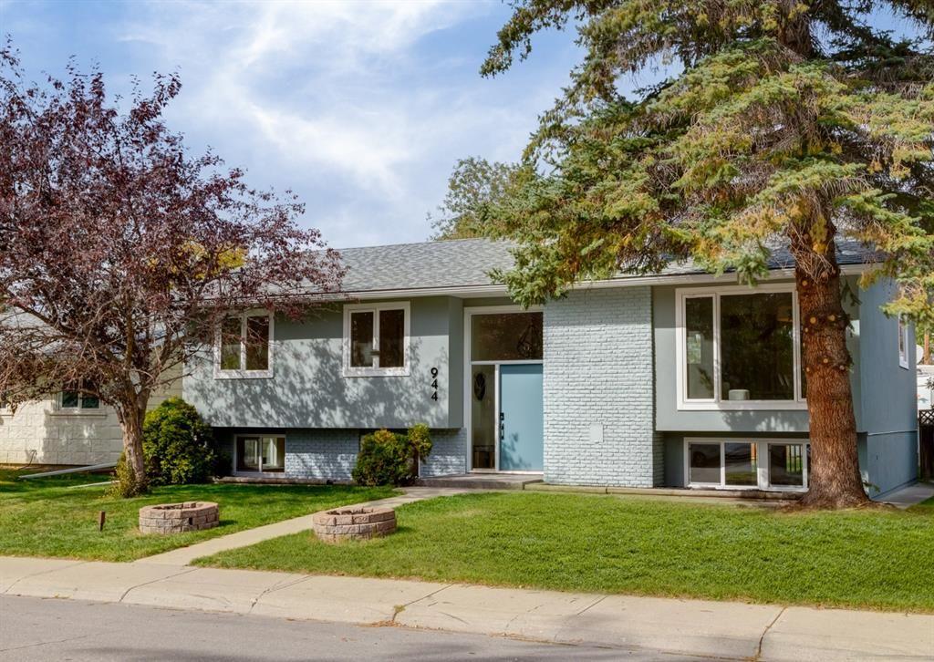 Main Photo: 944 Maplecroft Road SE in Calgary: Maple Ridge Detached for sale : MLS®# A1147511