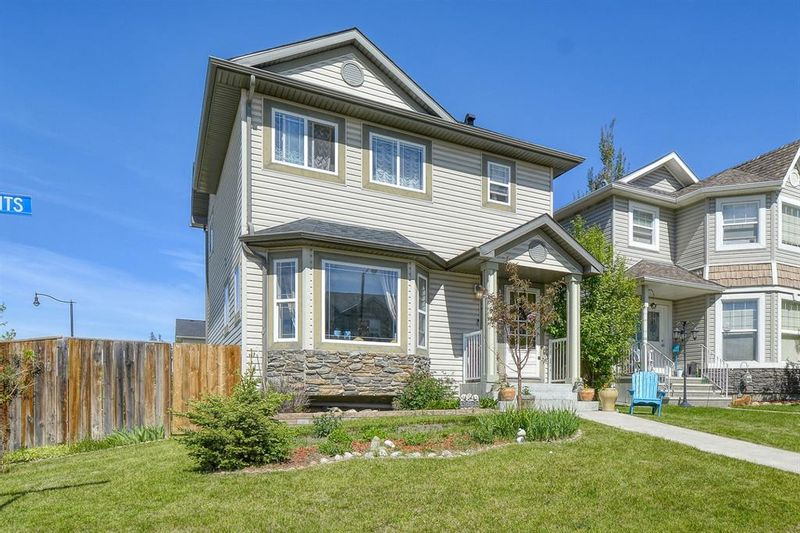 FEATURED LISTING: 4 Crystal Shores Heights Okotoks