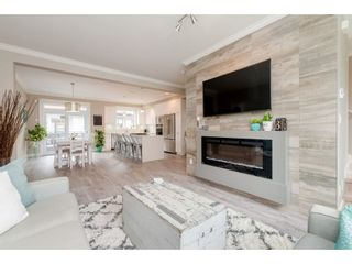 """Photo 5: 209 16488 64 Avenue in Surrey: Cloverdale BC Townhouse for sale in """"Harvest"""" (Cloverdale)  : MLS®# R2376091"""