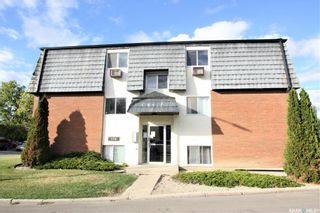 Photo 2: 8 176 Acadia Court in Saskatoon: West College Park Residential for sale : MLS®# SK826110